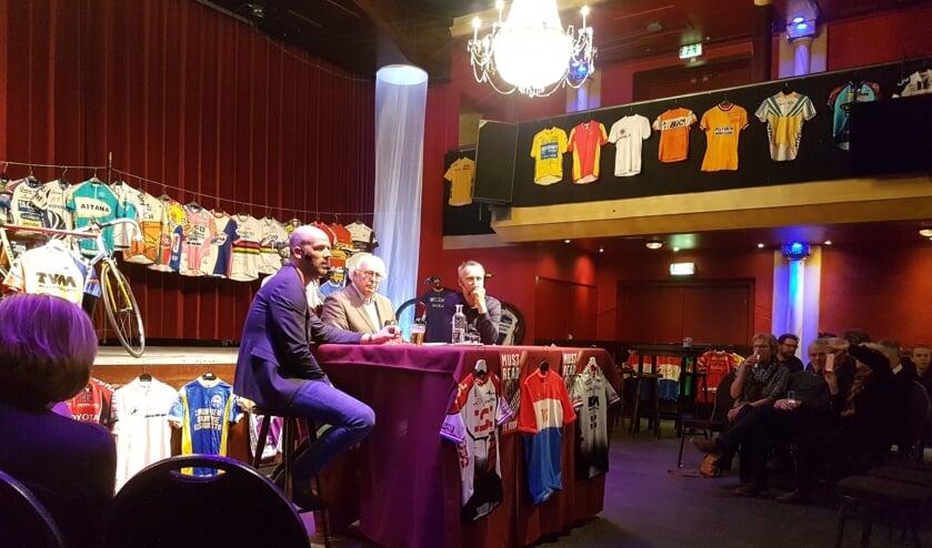 Vlnr. Rik Gockel, Mart Smeets en Tristan Hoffman tijdens de boekpresentatie november jl. Foto: Mark Ebbers