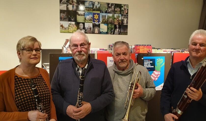 De vier jubilarissen van Amicitia (vlnr) Tonny Beerten, Reinier Timmerije, Gerrit Rensink en Wim Bisperink. Foto: Rob Weeber