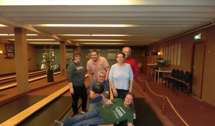 Team Eekvenne bestaande uit Willy Dinkelman, Sander Widschut, Dinand Dinkelman, Ada Lievestro, Joop Brinkerhof en Bert Dinkelman dat tweede werd. Foto: PR