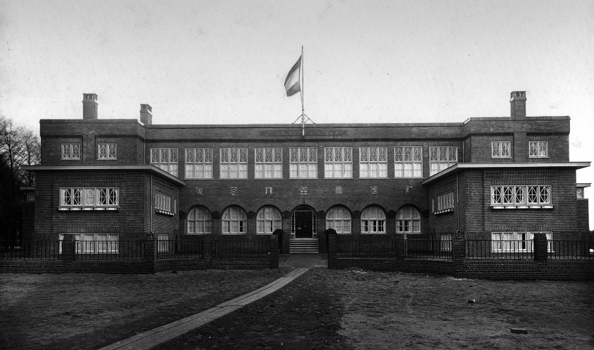 Vakschool voor Meisjes vlak na de bouw in 1921. Foto: Regionaal Archief Zutphen
