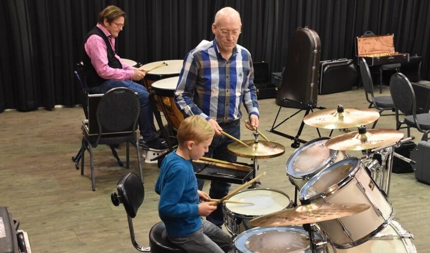 Trommelen bij Crescendo. Foto: Karin Romeijnders-Rietman