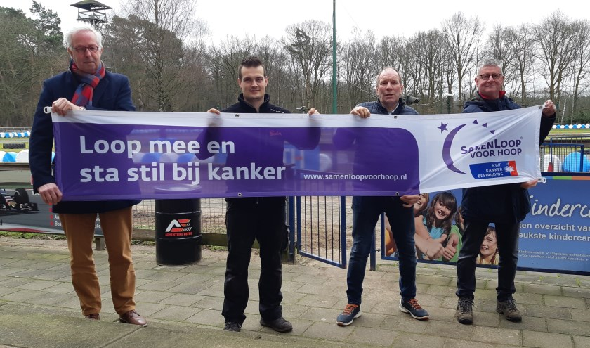 Foto bij Adventure Eefde, met v.l.n.r.: Pieter Heinstra, Eldino Mölders, Jos Bleumink, Albert Meijer. Foto: PR