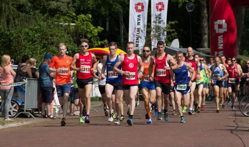 Deelnemers aan de Eiberrun in 2019. Foto: Dennis Wonnink