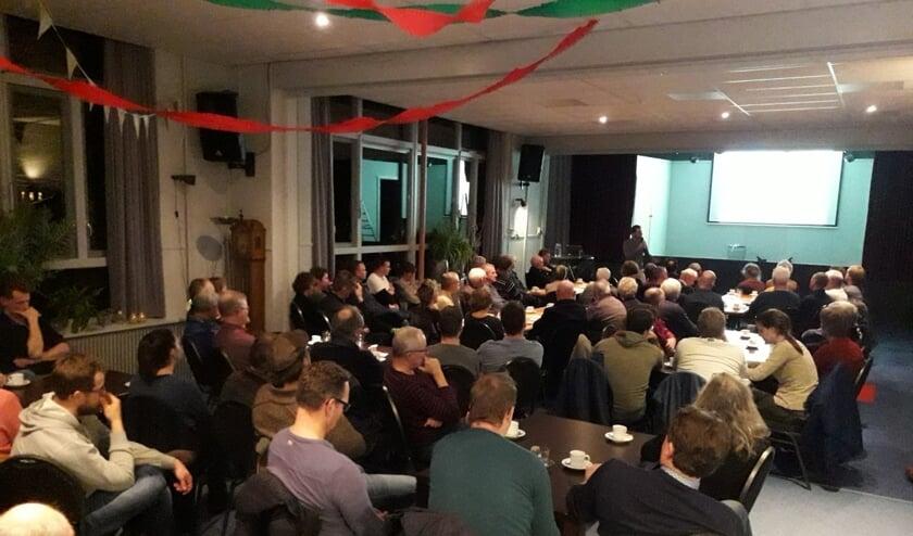 Een volle zaal in het Heidehuus tijdens informatieavond over Biodiversiteit. Foto: PR