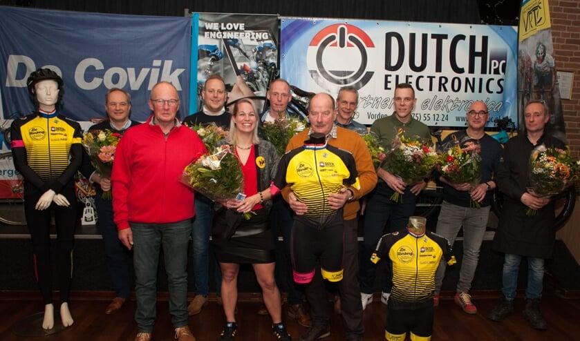 De presentatie van het nieuwe wielertenue van VRTC de 8 Kastelenrijders. Foto: Paul Harmelink