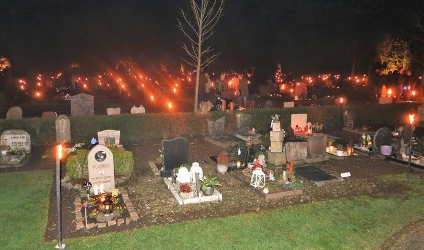 Een beeld van de vijfde achtereenvolgende lichtjesavond in Groenlo.