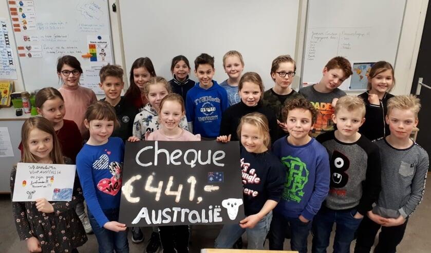 Groep 6 van 't Loo in Zelhem is trots op de opbrengst voor Australië. Foto: PR