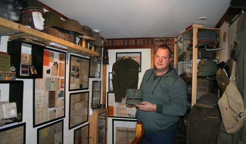 Als jonge jongen werd Rudy Huetink enthousiast verzamelaar van spullen uit WOII. Foto: PR