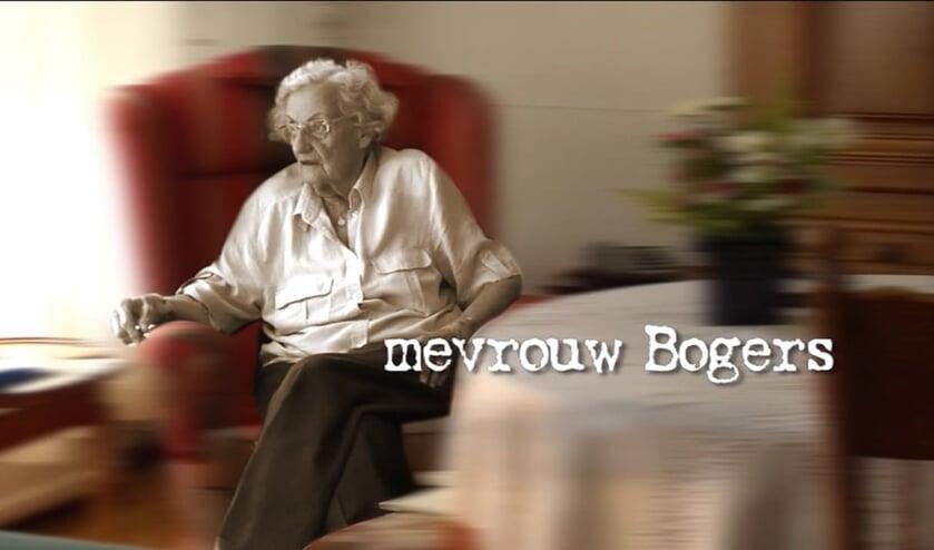 Mevrouw Bogers, die vanwege haar beginnende dementie met veel veranderingen geconfronteerd wordt. Foto: PR