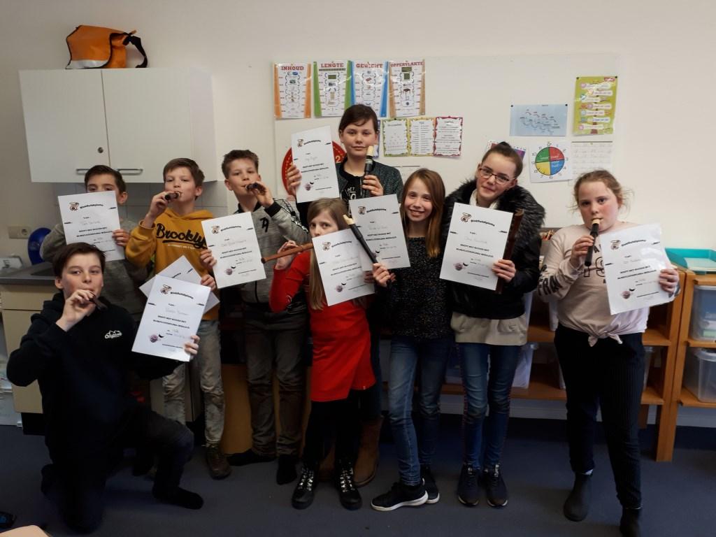 Blokfluiters van de Dorpsschool Halle behaalden hun diploma's. Foto: PR  © Achterhoek Nieuws b.v.
