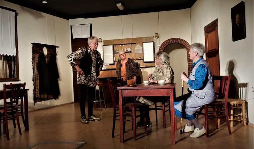 Een scene uit het toneelspel. Foto: J. Hiddink