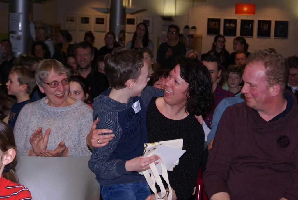 De moeder van Sander is super trots. Foto: Eva Schipper  © Achterhoek Nieuws b.v.