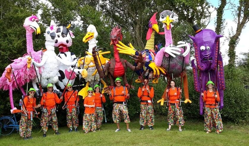 Les Marionnettes Geantes komt met twee reuze-marionetten naar Groenlo.