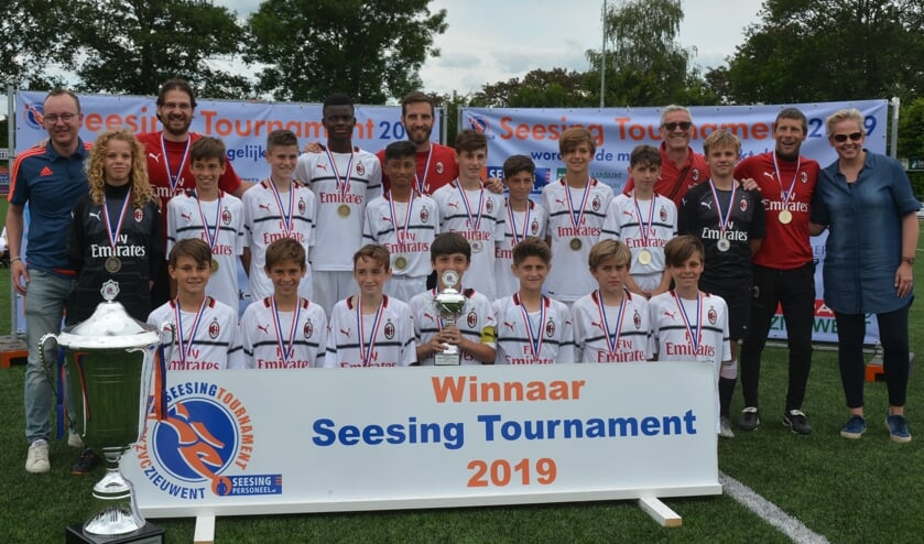 Het winnende team van het Seesing Tournament 2019: AC Milan U12. Foto: PR Seesing Tournament/archief Achterhoek Nieuws