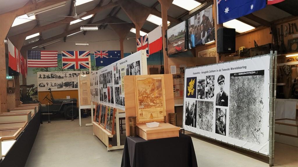 Aan de expositie '75 jaar bevrijding' in Zelhem is anderhalf jaar gewerkt. Foto: Alice Rouwhorst  © Achterhoek Nieuws b.v.