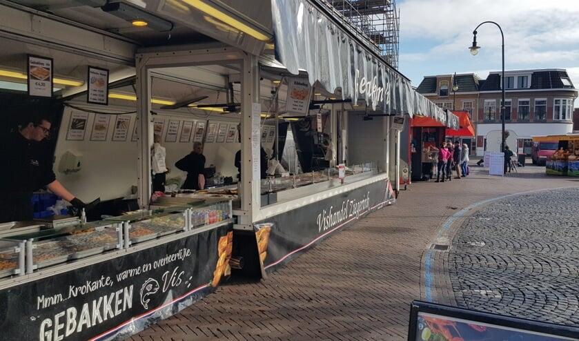 Woensdag moesten de marktkooplieden wachten op klanten. Foto: Han van de Laar