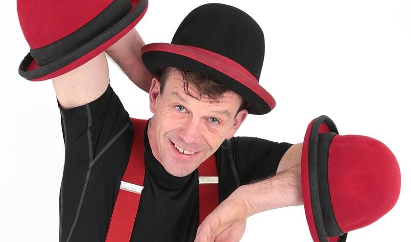 Remco Roelofs uit Eefde alias clown en jongleur OkiDoki. Eigen foto