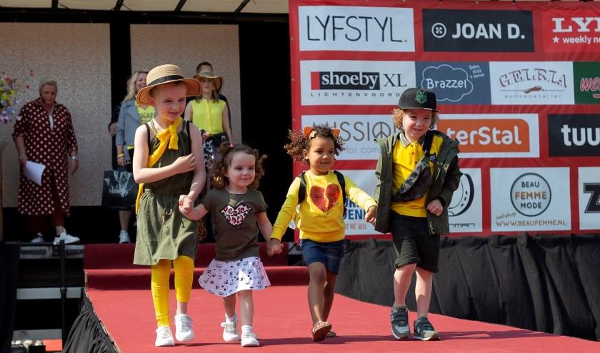 Deelnemertjes aan de modeshow van 2019. Foto: Jorieke Philippi/archief Achterhoek Nieuws