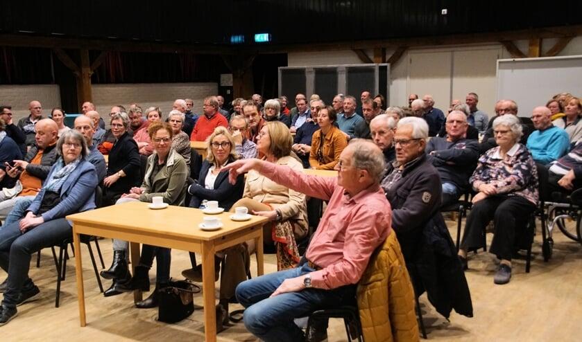 Een volle zaal van het Kulturhus sprak mee over de centrumvisie. In juni wordt waarschijnlijk een keus gemaakt uit vier scenario's. Foto: Frank Vinkenvleugel