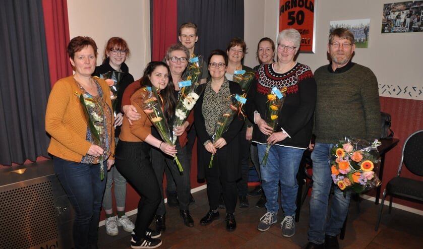 De negen geslaagde kandidaten en kaderinstructeur René Garstenveld (rechts).