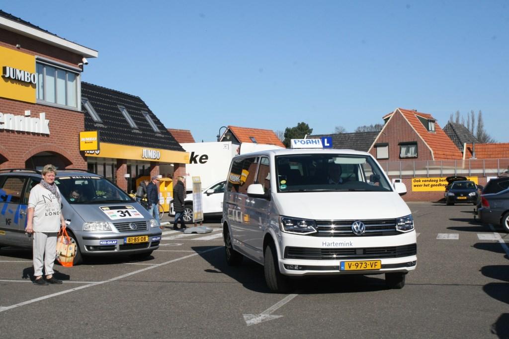 Hartemink op weg met Jumo's paasgeschenken  © Achterhoek Nieuws b.v.