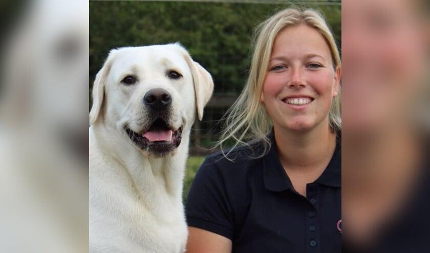 Henrieke Bleumink verzorgt online puppytrainingen. Foto: PR