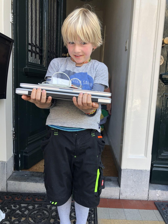 De laptops kunnen gebruikt worden door kinderen die vanwege het coronavirus nu thuis moeten werken en geen goede laptop hebben. Foto: PR  © Achterhoek Nieuws b.v.