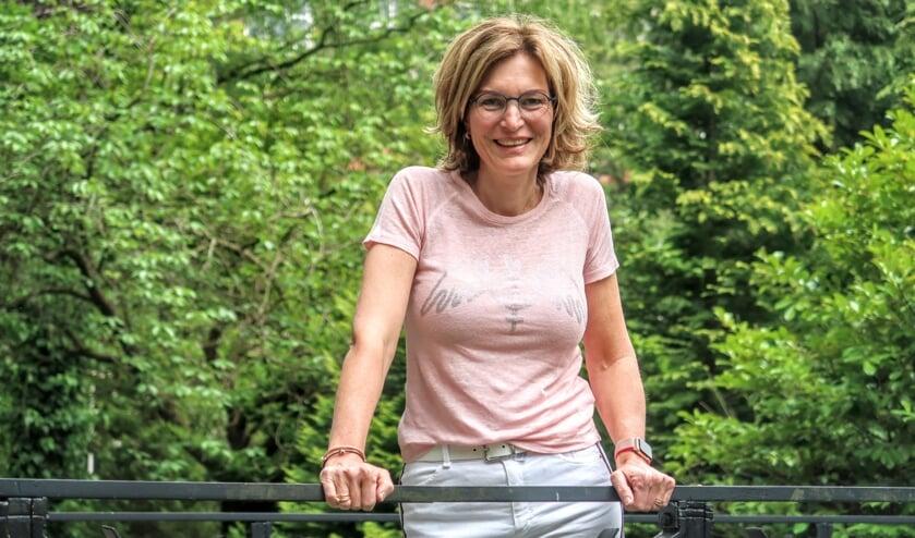 Leefstijlcoach Inge Lettink: 'Wat staat er in je koelkast? En kun je daar iets in veranderen?' Foto: Luuk Stam