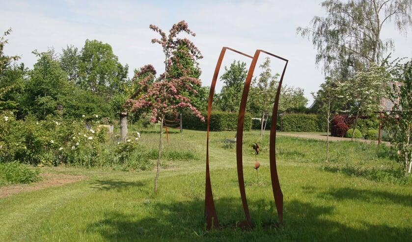 Meihuus, met een variatie van natuur en kunst. Foto: Frank Vinkenvleugel