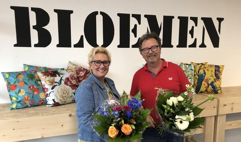 Jolanda en John Bolster in hun nieuwe zaak aan de Oudestraat 55. Foto: Rieta van der Linde