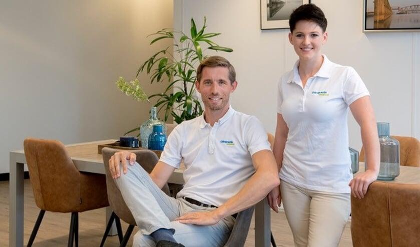 Ivar Schenk en Rebecca Berry, chiropractoren van praktijk Chiropractie Zutphen. Foto: Pascale Drent