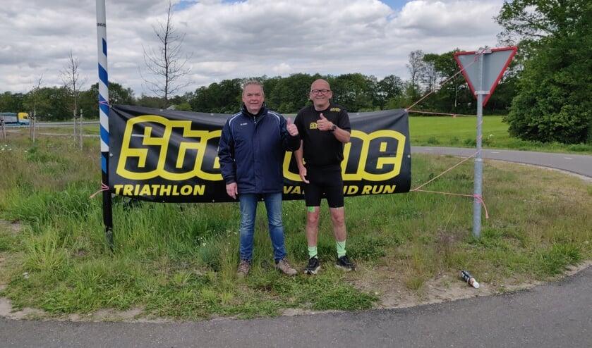 Dick Makkink en Henk Harenberg na afloop van de marathon. Foto: Rob Stevens
