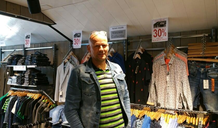 Edwin Boogaerts in de winkel van Jeans Brothers in Eibergen. Foto: Bart Kraan