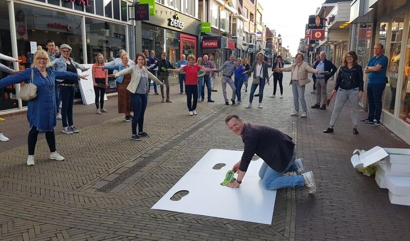 De winkeliers gaan voetstappen leggen, op 1,5 meter van elkaar. Foto:  Han van de Laar
