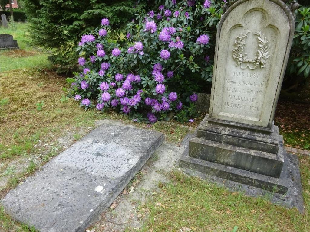 'Tante' Allegonda kreeg een grafsteen van een neef of nicht. Foto: HG  © Achterhoek Nieuws b.v.