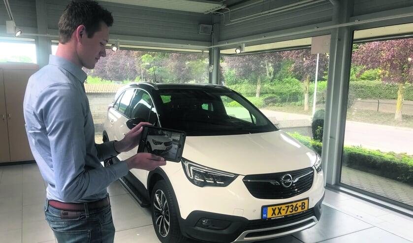 De medewerkers van Hartgerink kunnen via de digitale weg een uitstekend beeld geven van een auto, voor wie liever (nog) niet naar de zaak komt. Foto: PR
