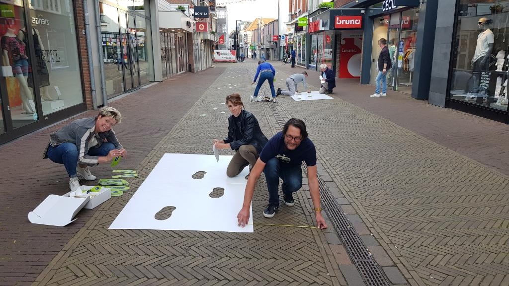 De 'stappenteams' in actie. Foto: Han van de Laar  © Achterhoek Nieuws b.v.