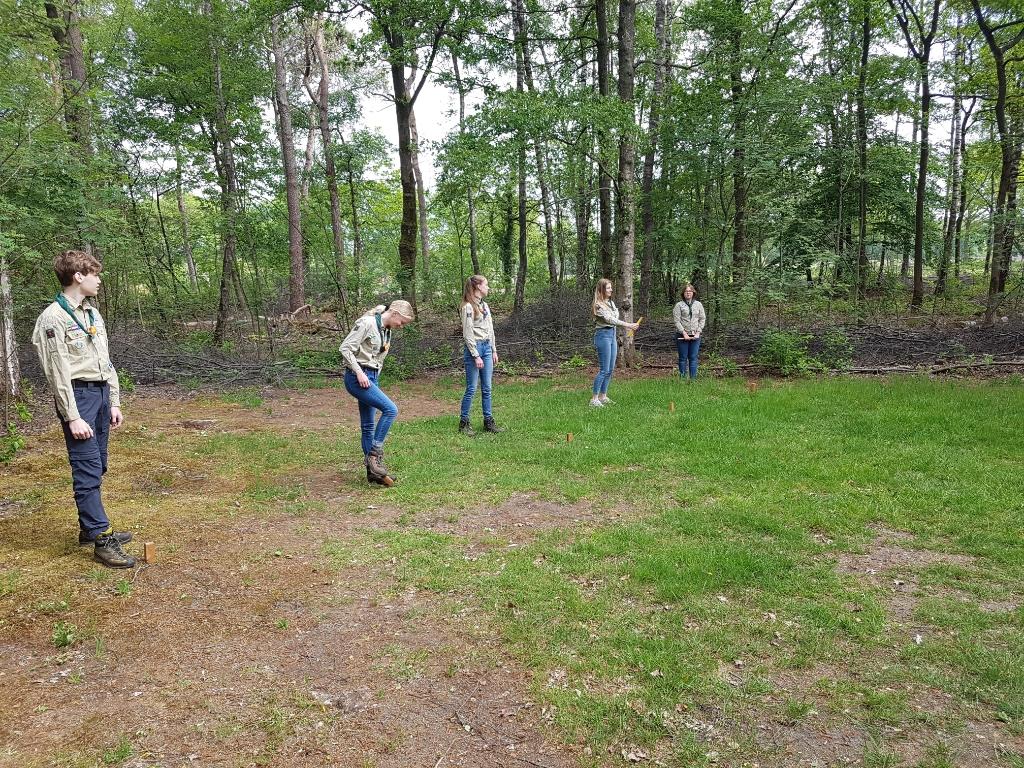 Scouts spelen een strategisch sportspel. Foto: O. Heusinkveld  © Achterhoek Nieuws b.v.