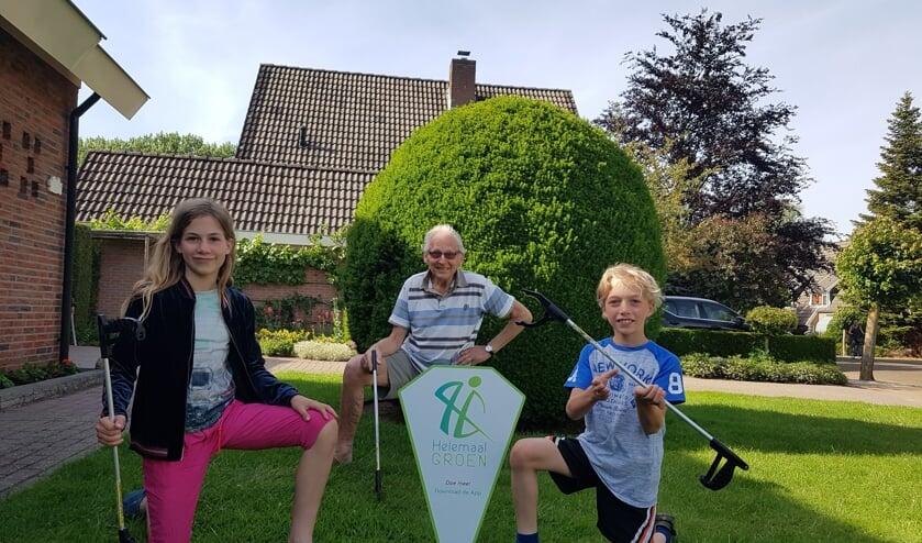 Femke, Lars en hun opa Jaap. Foto: Sonja Grooters
