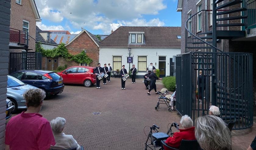 Drumband VMS bij Het Ambthuis in Bredevoort. Foto: M. Lurvink