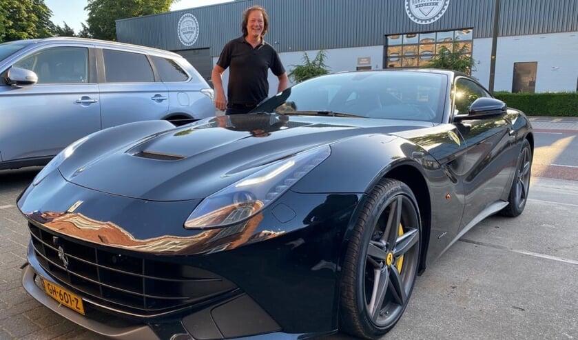 Gerhard werd opgehaald in een Ferrari. Foto: PR