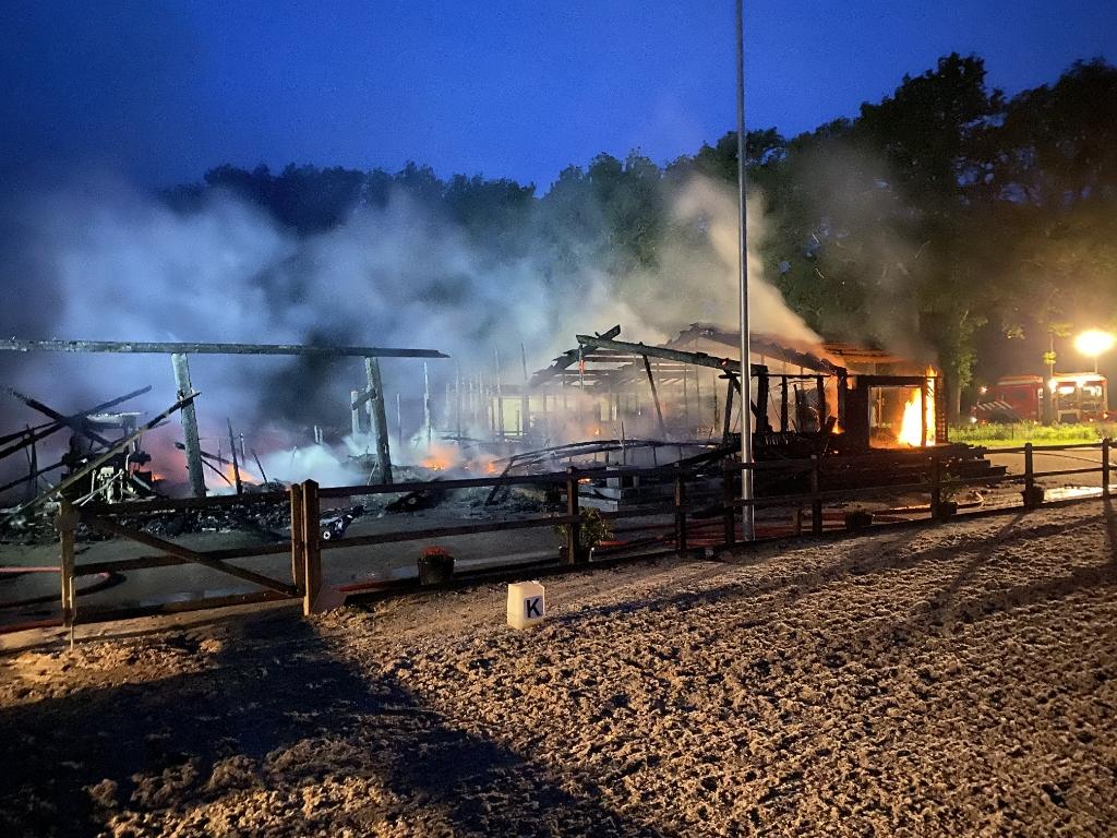 De brand was verwoestend. Foto: Philip Stein  © Achterhoek Nieuws b.v.