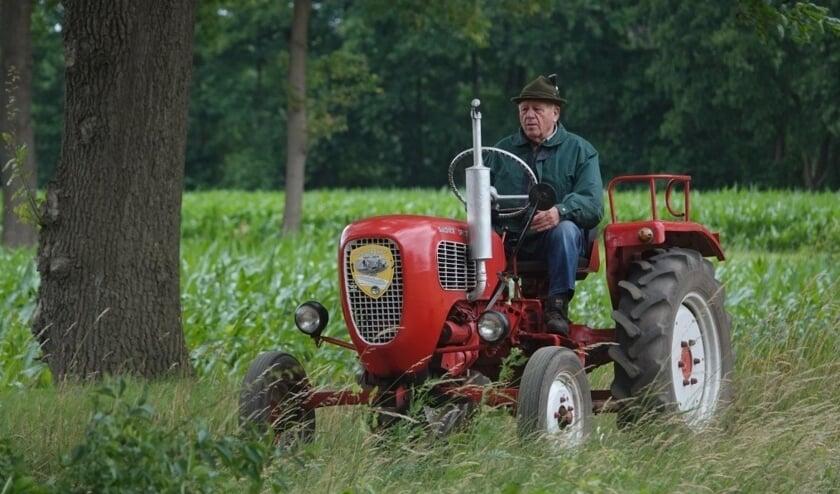Oldtimer-tractorenliefhebbers trokken er afgelopen zondag weer eens op uit. Foto: Achterhoekfoto.nl/Gradus Derksen.