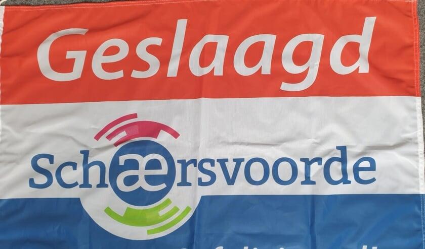 De speciale vlag die alle geslaagde Schaersvoorde-leerlingen ontvingen. Foto: PR