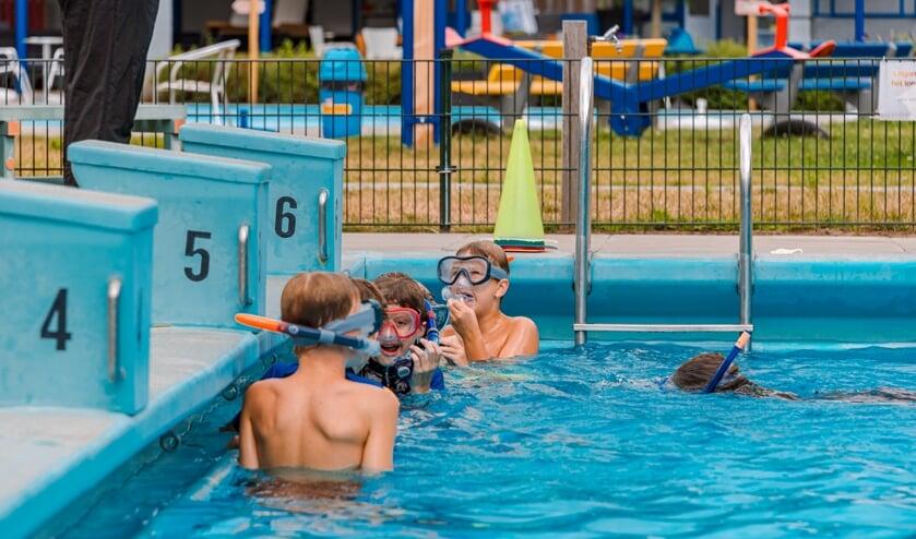 Snorkelen in het Leussinkbad. Foto: AIM