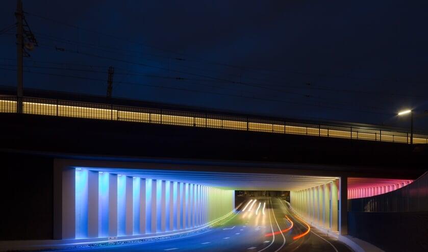 Elke lichtbron in de Marstunnel is individueel aanstuurbaar. Hiermee worden constant wisselende kleurbeelden gecreëerd. Foto: Jannes Linders