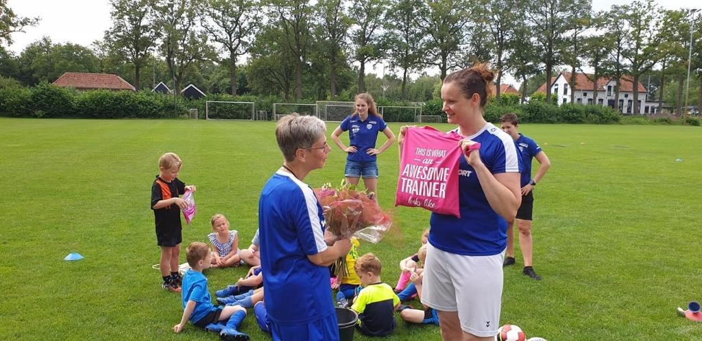 Cadeautjes voor Rianne. Foto: PR  © Achterhoek Nieuws b.v.