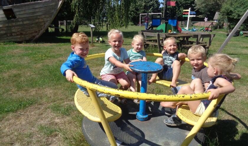 Samen plezier maken tijdens het schoolreisje naar Feltsigt. Foto: PR