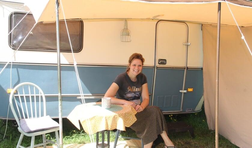 Sabine Rensen van camping 'Klein Geluk':  Gasten moeten hier kunnen genieten van de kleine dingen.  foto Lineke Voltman