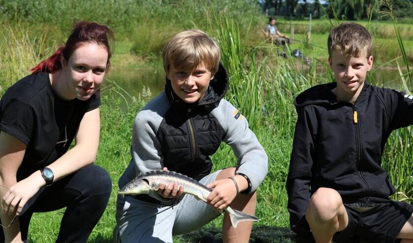 V.l.n.r. Gwendola Hietbrink (14), Tim van Wenum (12) en Gijs Keizer (11). Foto: Arjen Dieperink
